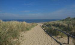 Achtertuin - Afslag strand